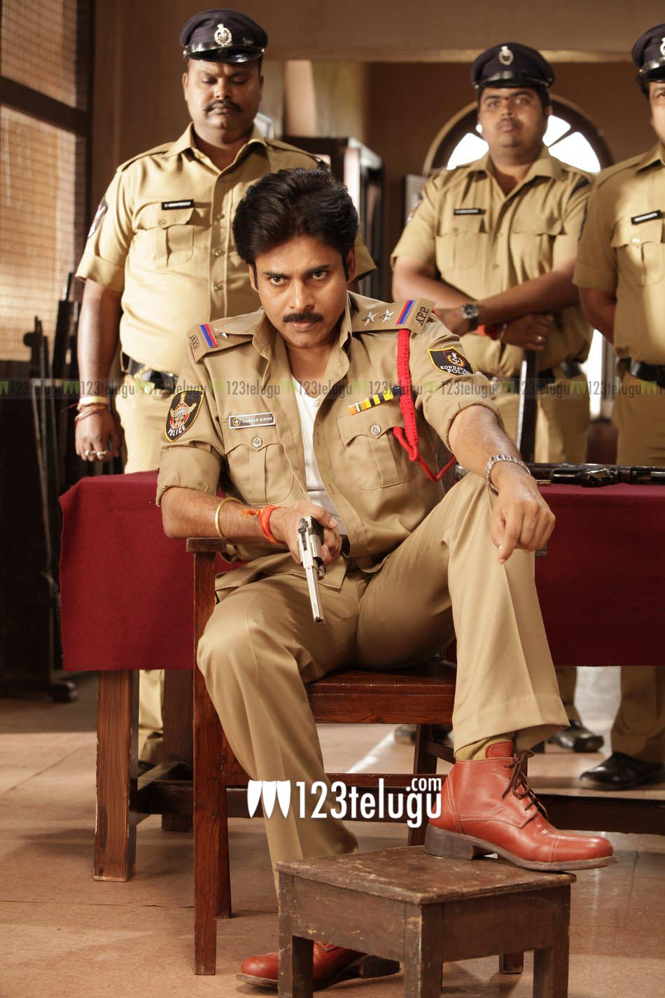 http://123telugu.com/slideshow/Actors/P/Power_Star_Pawan_Kalyan_New_HQ/images/Pawan%20Kalyan%20in%20Gabbar%20Singh%20(19).JPG